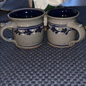 💥Two Vintage Pottery Coffee Mugs